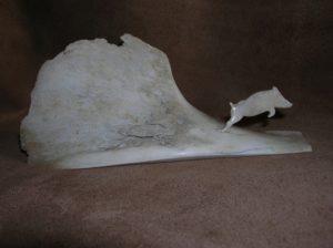 Sanglier - sculpture sur os animalière / Bone Carving