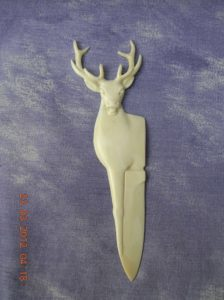 sculpture de cerf / Bone Carving