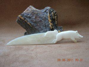 Le sanglier s'échappe / sculpture animalière sur os / Bone Carving