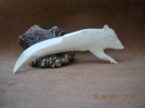 Sanglier... une défense - sculpture animalière sur os / Bone Carving
