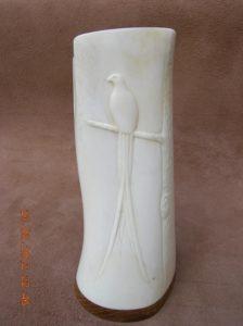 Le faisan s'est branché - sculpture sur os animalière / Bone Carving