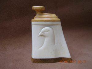 Poule faisanne - sculpture sur os animalière / Bone Carving
